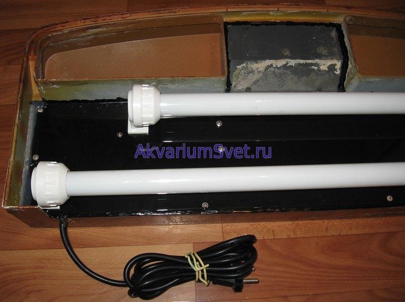 Аквариумная крышка Jebo с установленными новыми лампами и влагозащищёнными патронами.